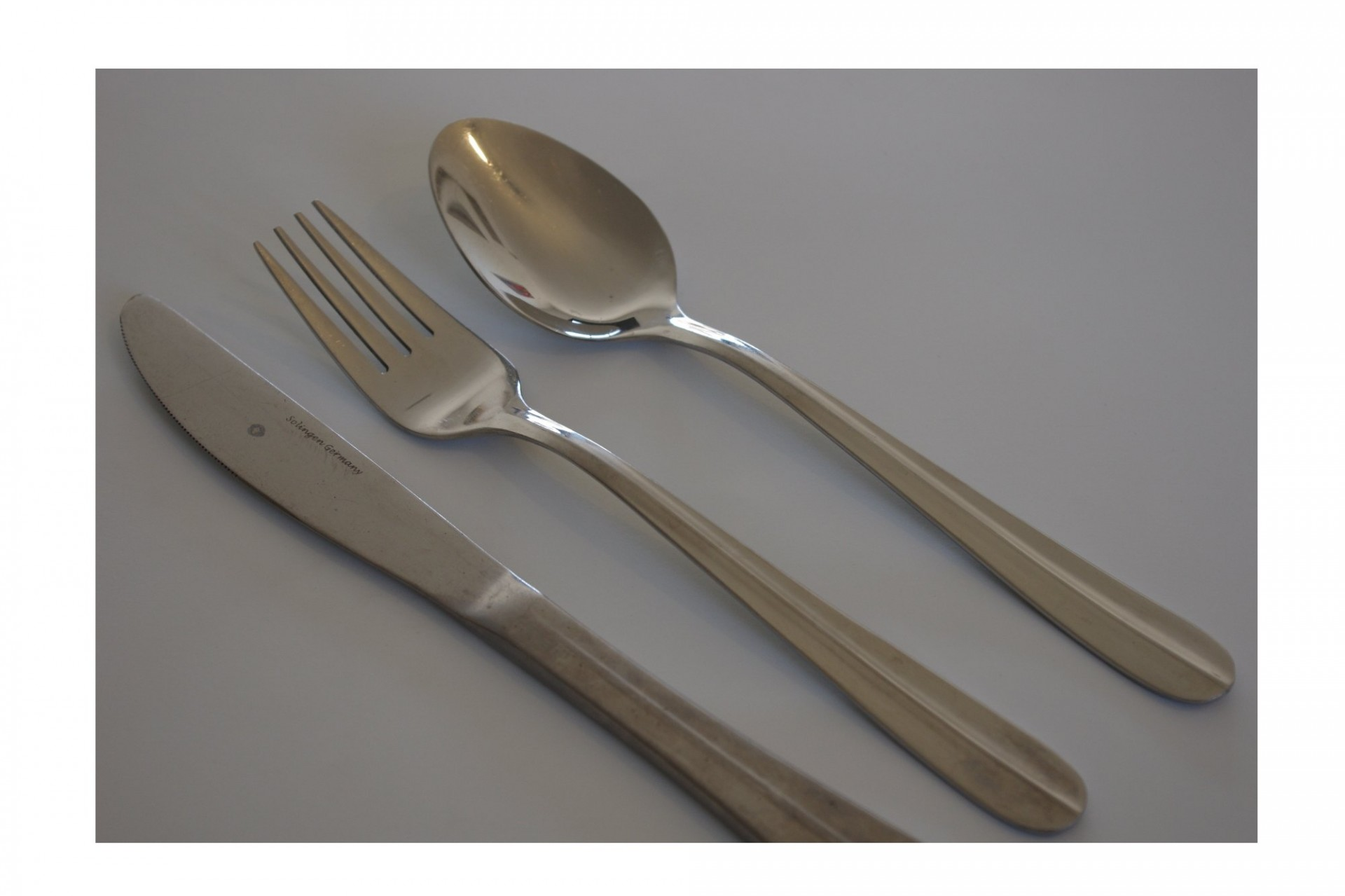 knife-fork-and-spoon